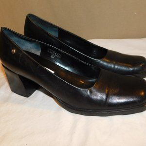 Etienne Aigner Leather Size 7 1/2N Stack Heel